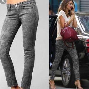 Paige Peg Skinny Gray Floral Jeans Size 26.